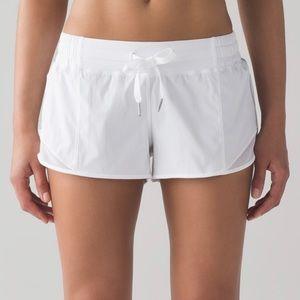 NWT Lululemon White Hotty Hot Shorts size 8
